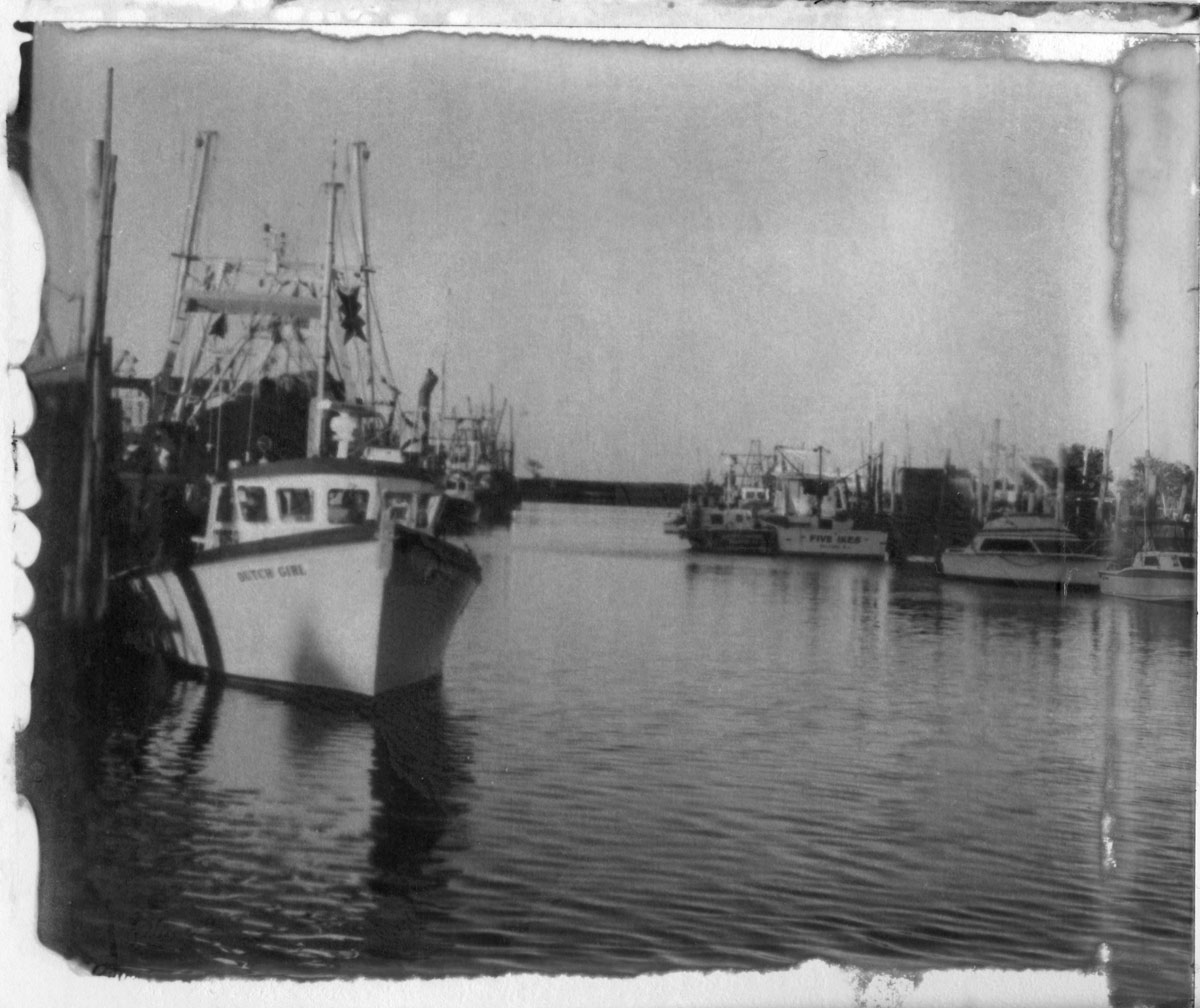 Scan of the print of a New55 photo of Belford Harbor